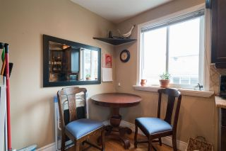 Photo 8: 15620 RUSSELL Avenue: White Rock House for sale (South Surrey White Rock)  : MLS®# R2140276