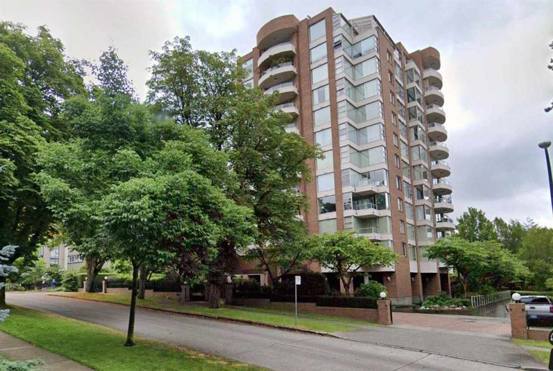 FEATURED LISTING: 301 - 2350 39TH Avenue West Vancouver