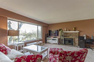 Photo 3: 8007 ELLIOTT Street in Vancouver: Fraserview VE House for sale (Vancouver East)  : MLS®# R2522410