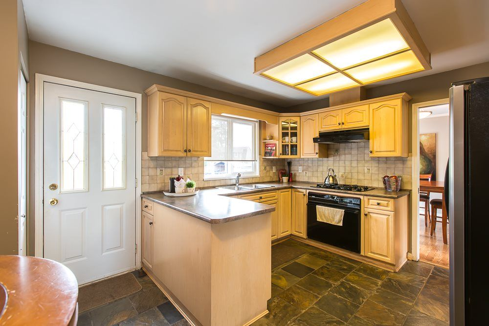 Photo 14: Photos: 601 LIDSTER Place in New Westminster: The Heights NW House for sale : MLS®# R2079374