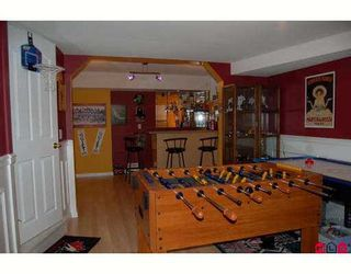 """Photo 3: 6828 181ST Street in Surrey: Cloverdale BC House for sale in """"Cloverwoods"""" (Cloverdale)  : MLS®# F2711956"""