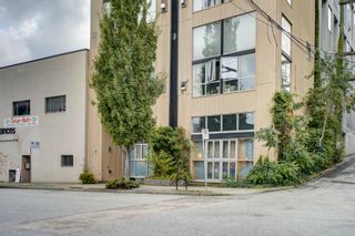 "Photo 1: 206 234 E 5TH Avenue in Vancouver: Mount Pleasant VE Condo for sale in ""GRANITE BLOCK"" (Vancouver East)  : MLS®# R2406853"