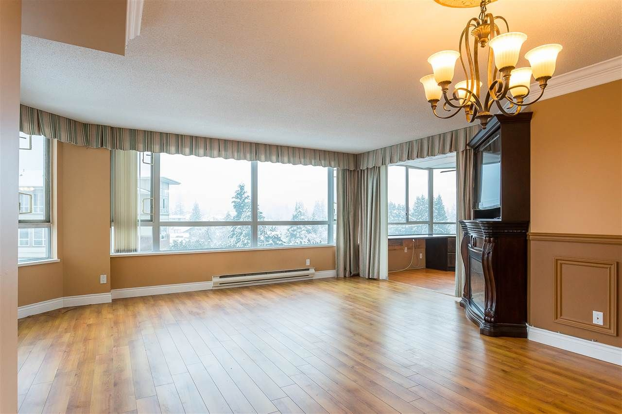 """Photo 9: Photos: 405 3190 GLADWIN Road in Abbotsford: Central Abbotsford Condo for sale in """"Regency Park Tower 3"""" : MLS®# R2524768"""