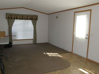 Photo 5: 24 62780 FLOOD HOPE Road in Hope: Hope Center Manufactured Home for sale : MLS®# R2492298