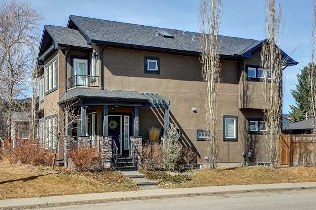 Main Photo: 400 30 Avenue NW in CALGARY: Mount Pleasant Residential Attached for sale (Calgary)  : MLS®# C3608679