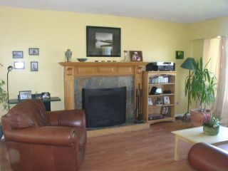 Photo 2: 12331 Greenwell Street, East, Central, Maple Ridge in Maple Ridge: House for sale