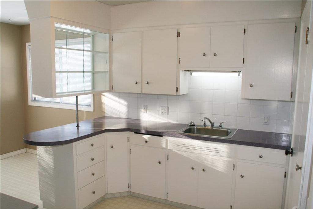 Photo 22: Photos: 5304 & 5306 7 Avenue SW in Calgary: Westgate Multi Unit for sale : MLS®# C4150515