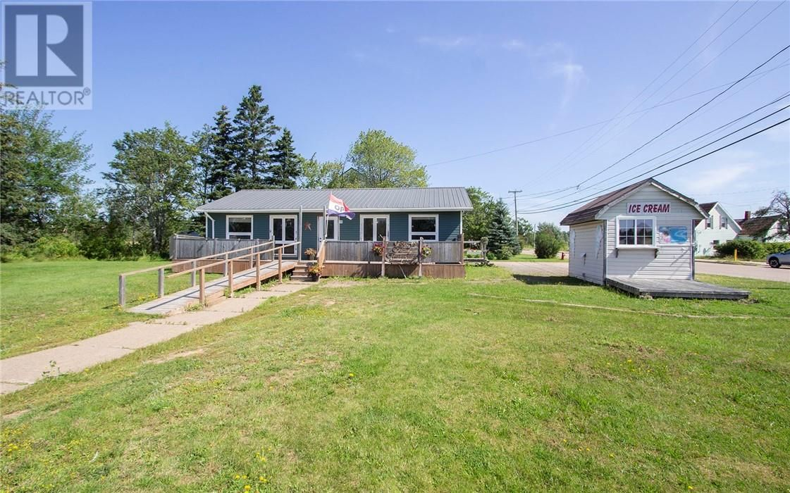 Main Photo: 10 East Main ST in Port Elgin: House for sale : MLS®# M137134