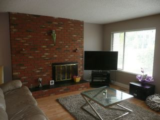 Photo 3: 3737 MANOR STREET in Burnaby: Central BN 1/2 Duplex for sale (Burnaby North)  : MLS®# R2032641