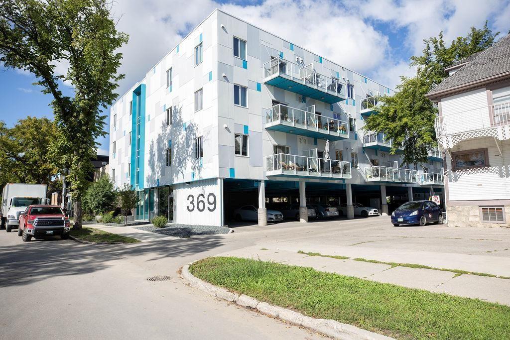 Main Photo: 411 369 Stradbrook Avenue in Winnipeg: Osborne Village Condominium for sale (1B)  : MLS®# 1926119