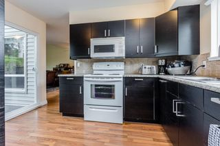 """Photo 10: 6155 E GREENSIDE Drive in Surrey: Cloverdale BC Townhouse for sale in """"Greenside Estates"""" (Cloverdale)  : MLS®# R2279920"""