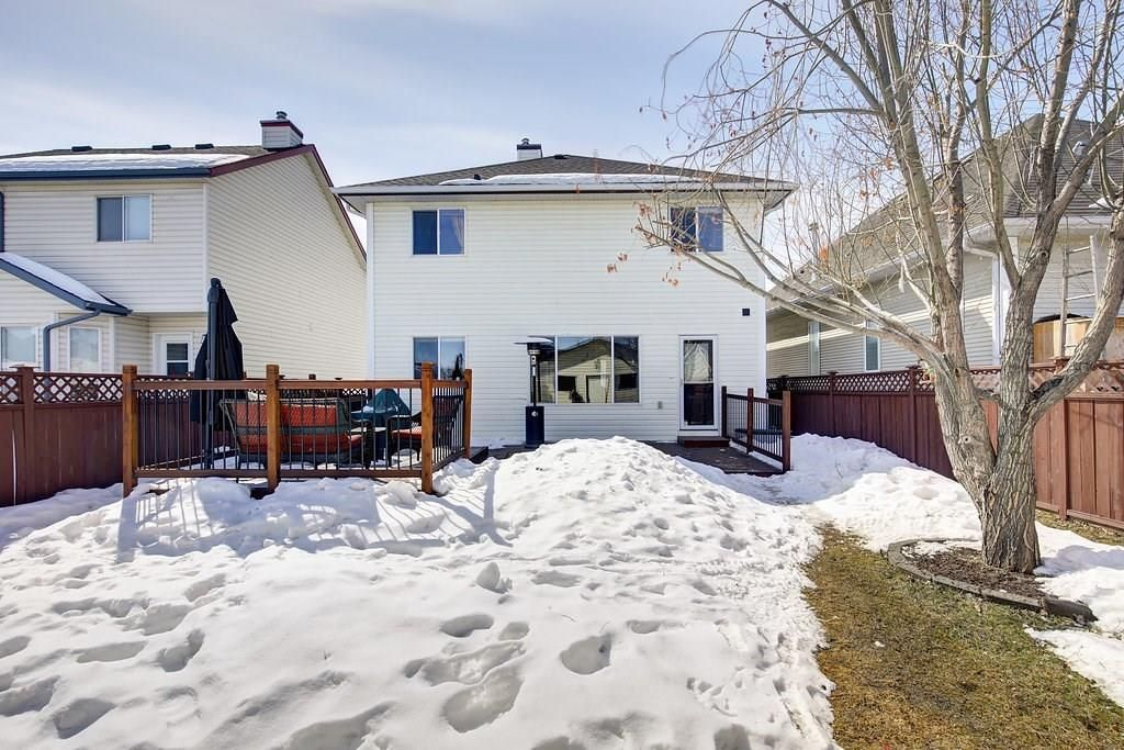 Photo 25: Photos: 32 INVERNESS Boulevard SE in Calgary: McKenzie Towne House for sale : MLS®# C4175544