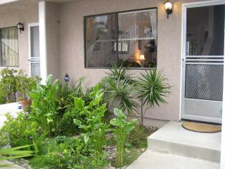 Photo 2: PACIFIC BEACH Townhome for sale : 2 bedrooms : 1648 Oliver # 3