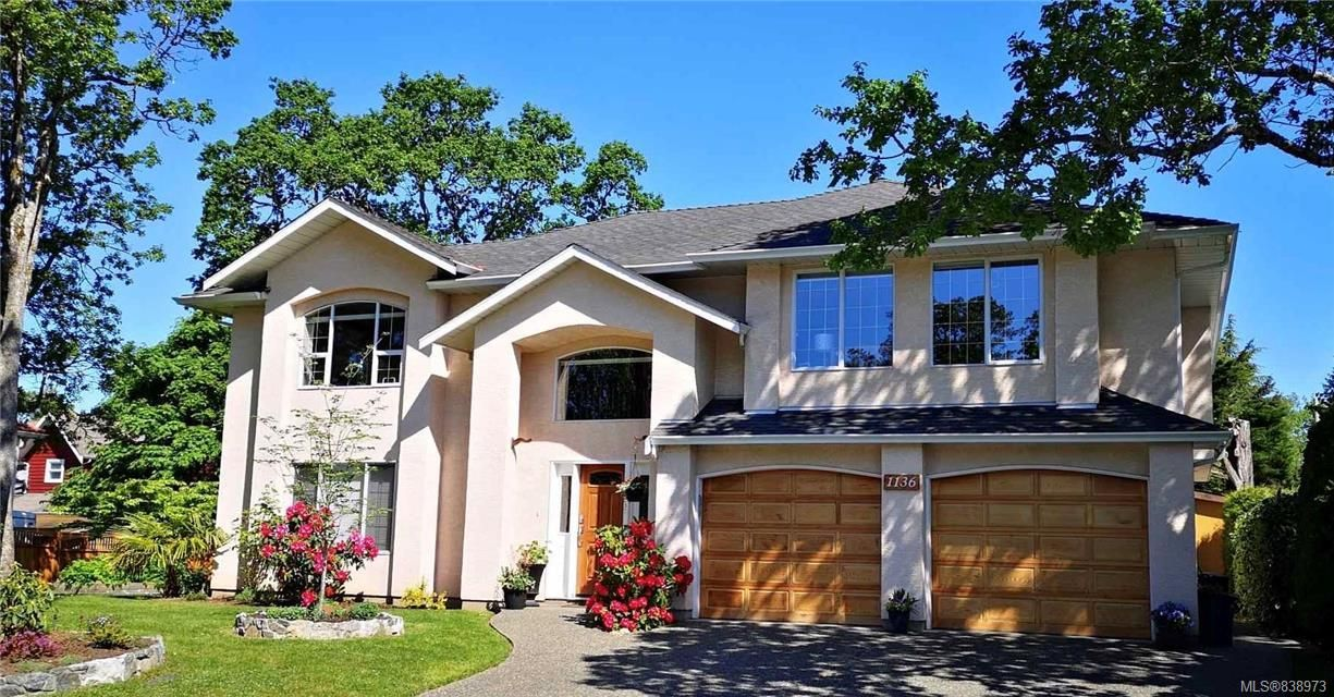 Main Photo: 1136 Lucille Dr in Central Saanich: CS Brentwood Bay House for sale : MLS®# 838973