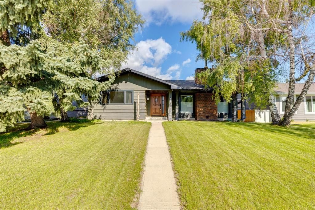 Main Photo: 343 Parkwood Close SE in Calgary: Parkland Detached for sale : MLS®# A1140057