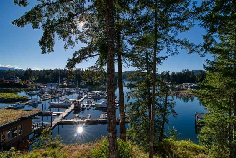 FEATURED LISTING: 23C - 12849 LAGOON Road Pender Harbour