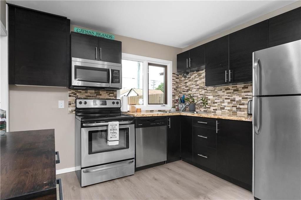 Photo 7: Photos: 497 Chelsea Avenue in Winnipeg: Residential for sale (3D)  : MLS®# 202115705