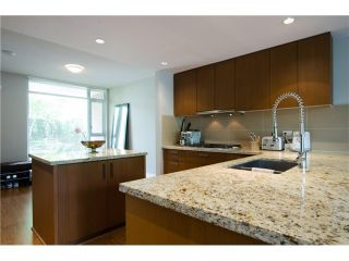 Photo 3: 305 1155 THE HIGH Street in Coquitlam: Home for sale : MLS®# V1123644