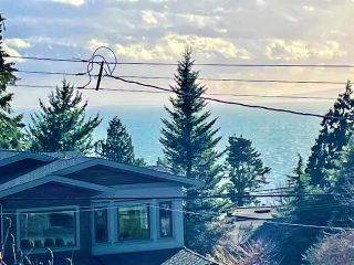 "Photo 9: 13381 MARINE Drive in Surrey: Crescent Bch Ocean Pk. House for sale in ""Ocean Park"" (South Surrey White Rock)  : MLS®# R2546593"