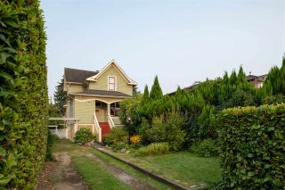 Photo 2: 5882 TYNE Street in Vancouver: Killarney VE House for sale (Vancouver East)  : MLS®# R2330113