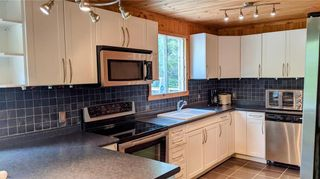 Photo 5: 9 BAYVIEW Drive in Grand Marais: Lakeshore Heights Residential for sale (R27)  : MLS®# 202118923