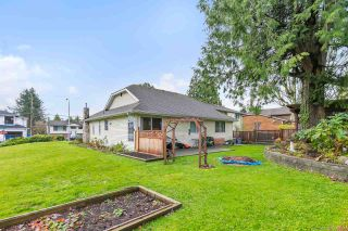 """Photo 16: 16195 10 Avenue in Surrey: King George Corridor House for sale in """"South Meridian"""" (South Surrey White Rock)  : MLS®# R2420726"""