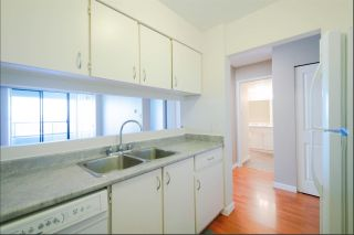 """Photo 4: 2404 4353 HALIFAX Street in Burnaby: Brentwood Park Condo for sale in """"BRENT GARDENS"""" (Burnaby North)  : MLS®# R2331880"""