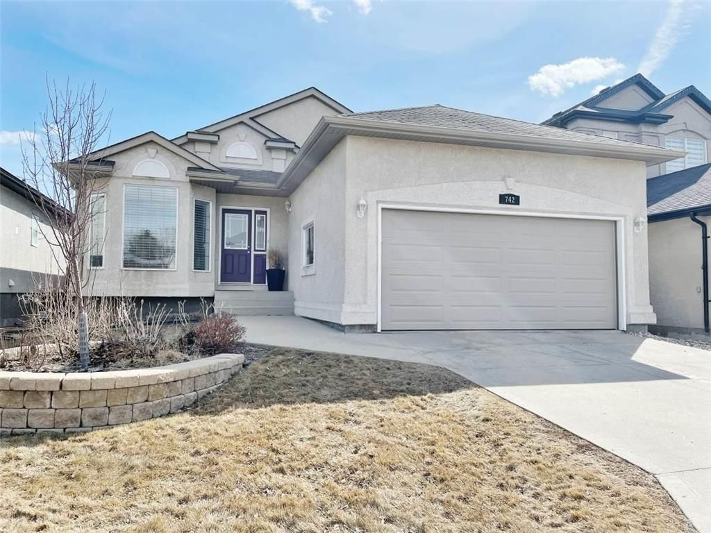 Main Photo: 742 Aldgate Road in Winnipeg: River Park South Residential for sale (2F)  : MLS®# 202106940