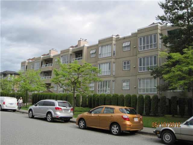 Main Photo: 304 5078 IRVING Street in Burnaby: Forest Glen BS Condo for sale (Burnaby South)  : MLS®# R2083054