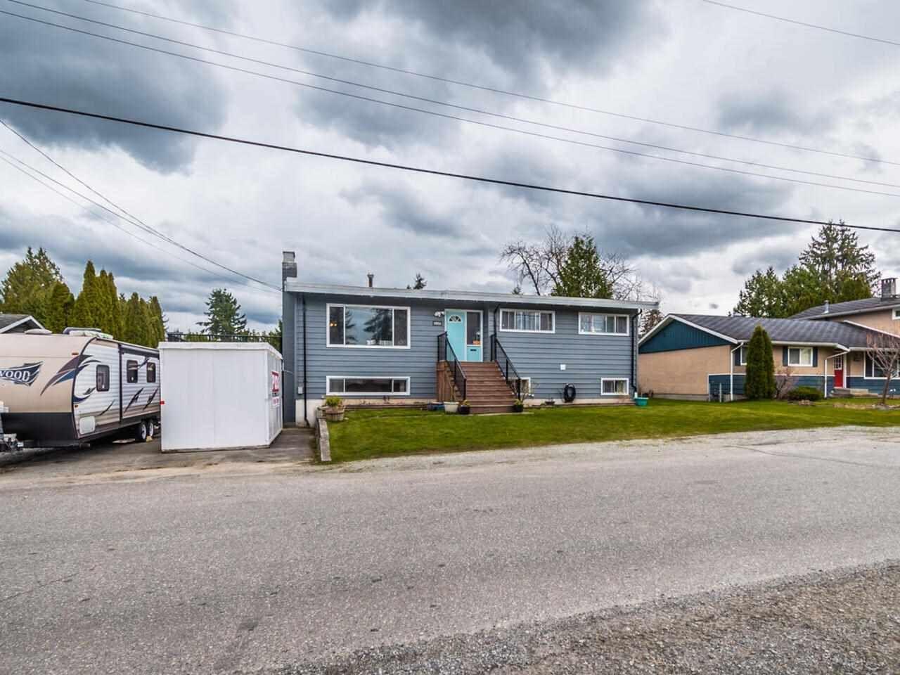 Main Photo: 11936 HAWTHORNE Street in Maple Ridge: Cottonwood MR House for sale : MLS®# R2572645