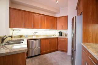 """Photo 12: 409 1236 W 8TH Avenue in Vancouver: Fairview VW Condo for sale in """"GALLERIA II"""" (Vancouver West)  : MLS®# R2554793"""