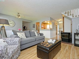 Photo 6: B 490 Terrahue Rd in VICTORIA: Co Wishart South Half Duplex for sale (Colwood)  : MLS®# 762813