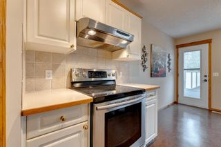 Photo 9: 130 Somerset Circle SW in Calgary: Somerset Detached for sale : MLS®# A1139543