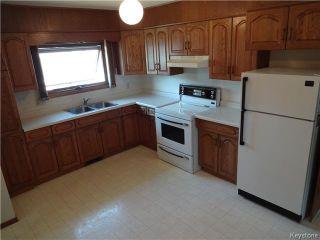 Photo 2: 236 Kimberly Avenue in Winnipeg: East Kildonan Residential for sale (North East Winnipeg)  : MLS®# 1611592