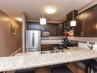 Photo 10: 13 2112 Cumberland Rd in COURTENAY: CV Courtenay City Row/Townhouse for sale (Comox Valley)  : MLS®# 831263