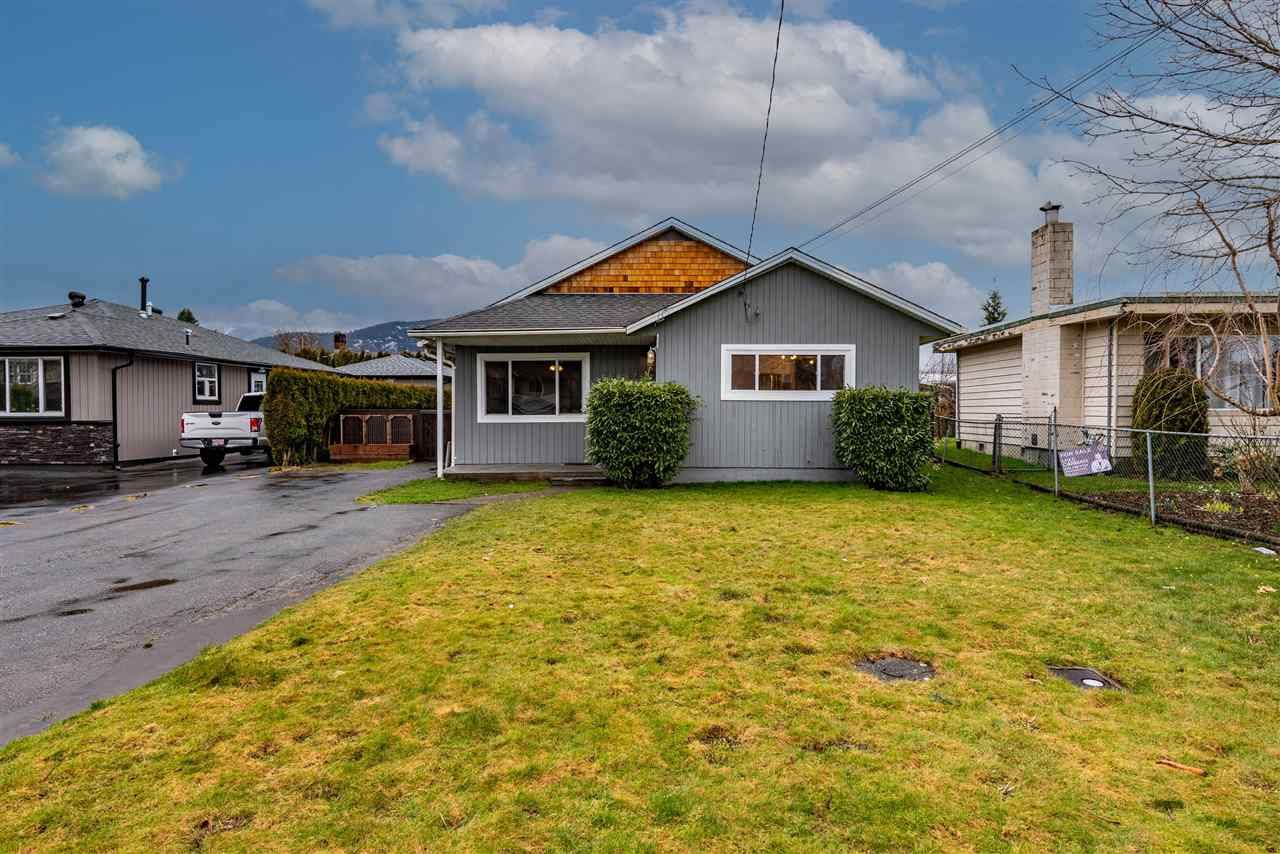 Main Photo: 45587 REECE Avenue in Chilliwack: Chilliwack N Yale-Well House for sale : MLS®# R2543275