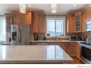 Photo 7: 2437 Prospector Way in VICTORIA: La Florence Lake House for sale (Langford)  : MLS®# 745602