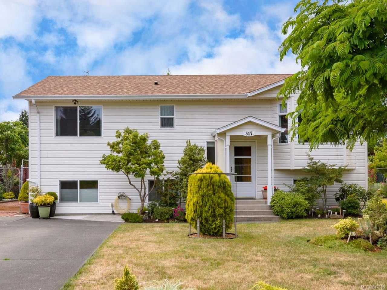 Main Photo: 317 Torrence Rd in COMOX: CV Comox (Town of) House for sale (Comox Valley)  : MLS®# 817835