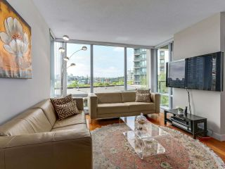 """Photo 5: 502 1495 RICHARDS Street in Vancouver: Yaletown Condo for sale in """"Yaletown"""" (Vancouver West)  : MLS®# R2264375"""
