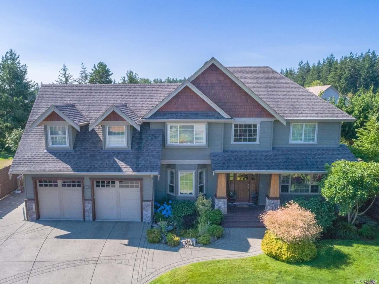 Main Photo: 1303 Ocean View Ave in COMOX: CV Comox (Town of) House for sale (Comox Valley)  : MLS®# 766620
