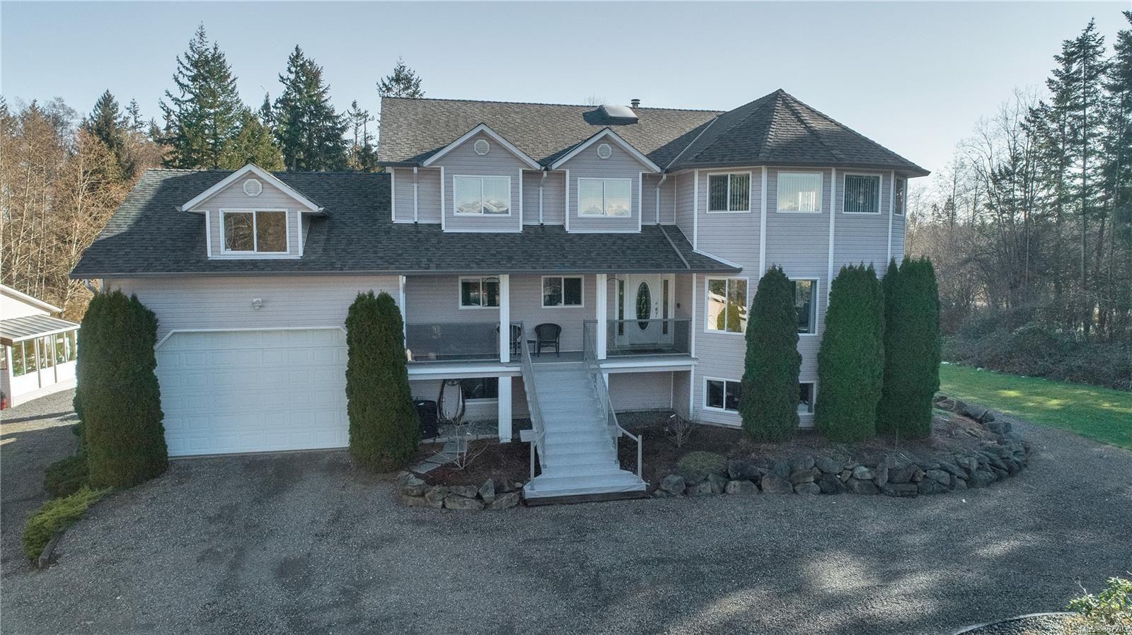 Main Photo: 2274 Anderton Rd in : CV Comox Peninsula House for sale (Comox Valley)  : MLS®# 867203