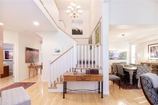 Photo 3: 122 EAGLE Pass in Port Moody: Heritage Mountain House for sale : MLS®# R2505331