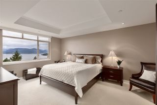 """Photo 20: 8609 SEASCAPE Place in West Vancouver: Howe Sound 1/2 Duplex for sale in """"Seascapes"""" : MLS®# R2528203"""