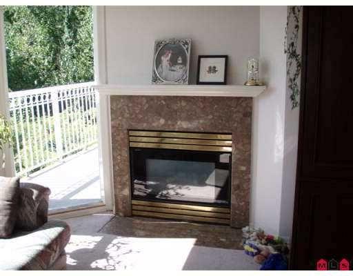 "Photo 5: Photos: 406 13939 LAUREL DR in Surrey: Whalley Condo for sale in ""KING GEORGE MANOR"" (North Surrey)  : MLS®# F2616457"