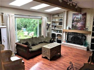 Photo 3: 1917 WILTSHIRE Avenue in Coquitlam: Cape Horn House for sale : MLS®# R2371481