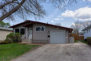 Photo 1: 710 9th Street NW in Portage la Prairie: House for sale : MLS®# 202112105