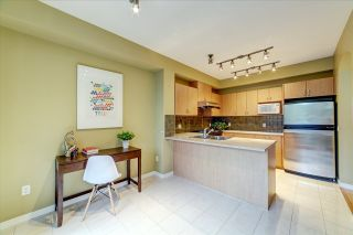 Photo 8: 51 2978 WHISPER WAY in Coquitlam: Westwood Plateau Townhouse for sale : MLS®# R2473168