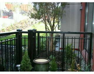 """Photo 5: 833 AGNES Street in New Westminster: Downtown NW Condo for sale in """"NEWS"""" : MLS®# V610315"""