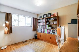 """Photo 9: 5815 BURNS Place in Burnaby: Upper Deer Lake House for sale in """"Upper Dear Lake"""" (Burnaby South)  : MLS®# R2208799"""