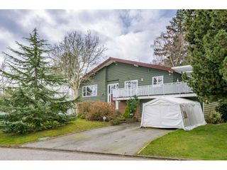 Photo 1: 4940 CEDAR Crescent in Delta: Pebble Hill House for sale (Tsawwassen)  : MLS®# R2553875